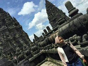 Candi Prambanan   #ClozetteId #instamoment #instapic #instapicture #instalove #instalook #instagood #candiprambanan #jogja #indonesia #ootd #hijab #hijaber