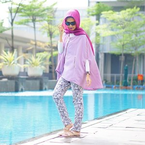 Always have fun with fashion. Dress to entertain yourself. 💜 Wearing Callia Cape favorited coll from @elhasbu now available with new colors💜 #ElhasbuStyle #ClozetteId #SimplyRaya