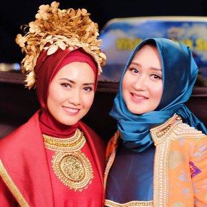 Backstage with adenyah @dianpelangi Before fashion show for Bulan Budaya Lombok Sumbawa. #ClozetteId #ElhasbuTravelDiary