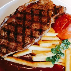 Ikea's striploin steak with french fries, baked tomato and bbq sauce #Clozetteid #foodie #foodstagram #foodgawker  #kulinerjakarta #foodporn #foodstagram  #foodgasm #mouthgasm  #food52 #foodtruck #foodpic #jktgo #manualjkt #jakartafoodbang #jktfoodbang  #jktfood  #tasyaeats #foodphotography #tasyaeats #eggporn #foodporn #foodgasm #mouthgasm