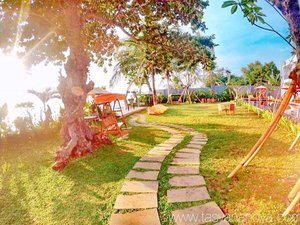 Another holiday photo 💁 · · #anyer #anyerhotel #doublegresort #doublegresortanyer #doublegresortcaritabeach #holiday #relax #funtime #travel #instatravel #travelgram #tourist #tourism #vacation #travelling #trip #clozetteid