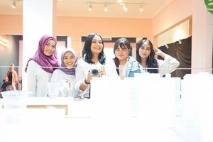 From ATELIER @ateliernetwork event launch yesterday! With @budiartiannisa @suniims @maryahulpah @arvi.n.  #latepost #positiveinfluencer #onemillionamonth #atelierindonesia #daretodream #makeup #beauty #makeupaddict #makeupjunkie #motd #makeuplover  #instamakeup #wakeupandmakeup #clozetteid  #tasyamakeuppreference beautychannelid #beautybloggerindonesia #bloggerceria #ragamkecantikan #tampilcantik #indonesianbeautyblogger #indobeautysquad #beautybloggertangerang  #kbbvfeatured  #monolidmakeup #skincare #skincareaddict #skincareroutine #skincaretips #skincareproducts #skins