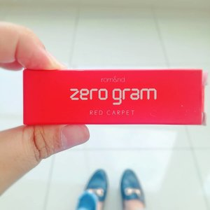 So today i'm going to make a quick review and swatch about @zerogram_official Rom&nd matte lipstick � in DUSTY PINK and RED CARPET.·PACKAGING : As you can see on my previous IG Story (i put it on highlight if you want to check it) the packaging is REALLY CUTE, and handy.·TEXTURE : Matte but doesn't make my lips dry, so it's not dead matte.·SWATCH ON LIPS : Please swipe left! (also please excuse my #bareface �).· You can get this product on my @charis_celeb @hicharis_official shop : https://hicharis.net/tasyanandya . More detail review will be up on my blog soon!··#makeup #beauty #makeupaddict #makeupjunkie #motd  #makeuplover  #instamakeup #wakeupandmakeup #lipstick #mattelipstick  #beautyblogger #cosmetics #charisceleb #charisofficial #style #clozette #clozetteid #beautybloggerindonesiarepost #beautybloggerindonesia #beautygoersid #beautybloggerindonesia  #tasyamakeuppreference