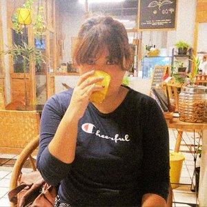 #turmericlatte #latepost ☕#Clozetteid  #foodie #foodstagram #foodgawker  #kulinerjakarta #foodporn #foodstagram  #foodgasm #mouthgasm #foodphotography #food52 #foodtruck #foodpic #jktgo #manualjkt #jakartafoodbang #jktfoodbang  #jktfood  #tasyaeats