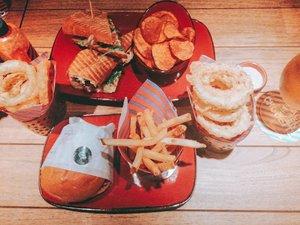 🍔🍟🍺🍻 #Clozetteid #foodie #foodstagram #foodgawker  #kulinerjakarta #foodporn #foodstagram  #foodgasm #mouthgasm #foodphotography #food52 #foodtruck #foodpic #jktgo #manualjkt #jakartafoodbang #jktfoodbang  #jktfood  #tasyaeats #zomato #zomatoid #TasyaForZomato
