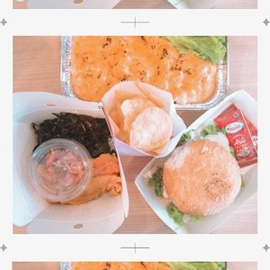 Just reviewed the yummy @lox_salmon : -Salmon Mentai -Salmon Burger -Smoked salmon with rice on my instagram story! Check 'em out! #Clozetteid #TasyaForZomato #zomatoid #zomato #foodie #salmon #smokedsalmon #norwegiansalmon #salmonburger #salmonmentai #manualjkt #jktfoodbang #jktfood #jktgo #fusionfood