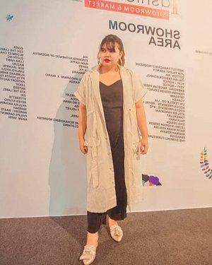 #throwback to #JFW2019 EVENT. Photo taken by @budiartiannisa 📷📸🌼❤️ #jfw2019 #ootd #ootdindo #outfitoftheday #lookoftheday #fashion #fashiongram  #outfit #clothes #wiw #envywear #instafashion #outfitpost #fashionpost #todaysoutfit #fashiondiaries #clozetteid  #bloggerceria #jfw2019 #jfw #imwearingtia #wearejfw #wearejfw2019