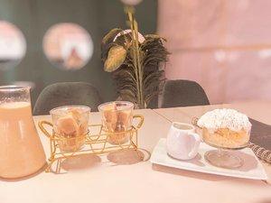 Me time ⌚ #clozetteid #foodie #foodstagram #foodgawker  #kulinerjakarta #foodporn #foodstagram  #foodgasm #mouthgasm #foodphotography #food52 #foodtruck #foodpic #jktgo #manualjkt #jakartafoodbang #jktfoodbang #coffee #dessert #milkbath #jktfood  #tasyaeats #zomato #zomatoid #TasyaForZomato