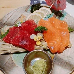 #nofilter #nocaptionneeded #beefkatsu #cheesekatsu #japaneseizakaya #food #sashimi #salmon #salmonsashimi #tunasashimi #foodporn #foodie #clozetteid