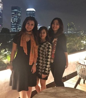 Fabulous Women 👸💄 . . . #nightout #goodnight #itsanatte #clozetteid #dress #auntie #sister #sephoraidnbeautyinfluencer #sephoraidn #beautynesiamember #fatshogunjkt