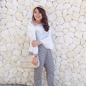 Everyday try to be better person than the person you were yesterday ..#fashioblogger #clozetteid