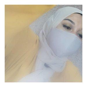 Udah ikutan giveaway #CantikPakaiMasker belum nih?  Modalnya cuman selfie pake masker + eye makeup aja lho! Gampang banget buat dapetin hadiah yang sungguh aduhai-hai-hai aduh asyiknya~  #clozetteid #giveawayindo #giveawayalert