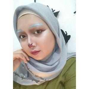 Another Halloween look tanpa konsep sama sekali. Intinya cuman mau cobain pake alis warna putih aja sih. #DELETESOON#kaycadandan #halloween #halloweenmakeup #makeupindo #bvlogger #bvloggerid #ilovedauky#makeuplook #makeup #makeupindo #makeupindonesia #look #beautylook #beautynesia #indobeauty #indobeautygram #Indonesia #sayapakaielzatta #clozette #clozetteID #fdbeauty #beautygram #blogger #bloggerperempuan #beautysquadid