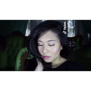Press ▶️ Another my very own video from @tiktok @tiktokofficialindonesia @tiktoksea apps. Zuzur, ketagihan dong bikin video terus edit-edit di #TikTok • Video ini? Base Makeup tapi semua Lokal Produk Indonesia. Tahan lama? Banget. And the coverage thooo! 😘 - Essence/Primer : @avoskinbeauty PHTE - Face Sunscreen : @eminacosmetics Sun Protection - Foundation: @mustikaratuind High Coverage Matte Finish - Ivory - Concealer : @ltpro_official Fix Conceal - Light - Baked : @purbasarimakeupid Face Powder, 02 Kuning Langsat - Set! : @wardahbeauty - Blush : @makeoverid Blush On - 01 01 Pink Fantasist • #TikTokBeauty #TikTokSea #TikTokID #brows #ClozetteID #MakeupLover #makeuplovers #makeupartist #makeupjunkie #makeupblogger #beautylover #beautyblog #mua #beautygram #beautybloggerpage #indobeautygram #indobeautyblogger #beautybloggerindonesia #BeautyBloggerIndo #tutorialalis #makeuplooks #lumix #lumixindonesia #lumixgf8 #tampilcantik #makeuptutorial #wardahbeauty #makeover