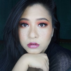 Swipe ➡️Using METALIP Series from @beautitarian ;1) My lips with Berry Pixiedust2) My lips with Sugar Plum Fairy3) My BARE lips, LOLReally glad that i find Metallic Matte Lip Cream from Indonesian Local Brand. It has Vitamin E, VEGAN, Paraben Free, No Animal Testing, and certified Halal & BPOM.•#ClozetteID #IamBeautitarian #BloggerCeria #BEAUTITARIAN #BloggerCeriaXBeautitarian #VerlourLip #lipcream #mattelipstick