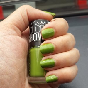 Nail of the day #NOTD #ClozetteID #beauty #colorshow #green #nailcolor #mintmojito404 #maybelline