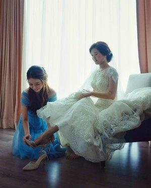 Bride & bridesmaid 💕 - #tb #friendship