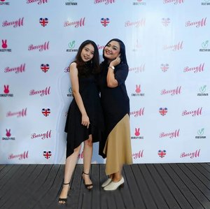 With mami @budiartiannisa at grand launching @barrymcosmetics_id ! 💕-#LiveLifeInColors #LoveBarryMBarryBarryMuch#BarryM_id #BarryM#ootd #OnieOOTDSpot