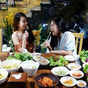 "He-llo July!! Please be nice! ❤Btw, kemaren aku baru aja makan sama @megayunitta di @bornga.indonesia Kelapa Gading! Tempat nya enak banget buat ngumpul"" sama temen - temen! Dan seperti di restoran korea kebanyakan, side dish di @bornga.indonesia juga sangat beragam dan tentunya bisa refill.. hahaha! 😆😆 Soo, jangan lupa cobain yaa! Review makanan nya bakal aku post di IG @eatwithonie yaa! ❤❤-#Bornga #Qraved #Woosamgyup #Koreanbeefbacon #Borngaresto #Borngaindonesia #borngajakarta#OnieFoodJourney #hellojuly"