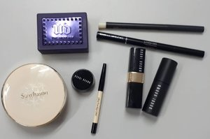 #insideribbonwallet #makeup #cosmetics #mac #bobbibrown #laneige #sulwhasoo #urbandecay #beautybloggerindonesia #indobeautygram #indobeautysquad #beautynesia #ClozetteID #bloggermafia