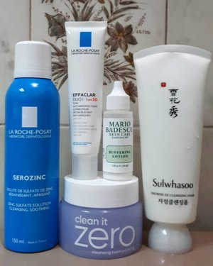 #empties 🎀🎀🎀@larocheposay Serozinc is a toner mist, absorbs my excess sebum very well and gives matte finish.🎀🎀🎀@larocheposay Effaclar Duo (+) SPF 30 is a cream with SPF for unclogged pores and corrective. Matte finish. It has niacinamide for reduce marks,but for me the results is so so. 🎀@mariobadescu Buffering Lotion.  It is an acne spot treatment. It doesn't work for my acne. It dries only on the surface area of my acne, but not from inside. 🎀🎀🎀@sulwhasoo.official Snowise EX Cleansing Foam. It is a non stripping facial foam. It doesn't dry out my skin. I use it for 8 months.🎀🎀🎀@banilaco_official Clean It Zero Purifying. Personally, this is my second purchase. It really melts my makeup, dirts and dust. No fragrance and this new version is no mineral oil. But, if I wanna choose for first cleanser, I always prefer a cleansing oil. Well, human! Sometimes, I'm too lazy for opening jar and scooping the balm with spatula. #skincarereview #ribbonskincarereview #skincareaddicted #skincareempties  #skincarejunkie #skincarehaul #skincarecommunity #skincarediaries #beautybloggerindonesia #indobeautygram #indobeautysquad #beautynesia #ClozetteID #bloggermafia