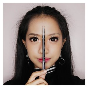 Can you see the difference?Ini foto aku before-after dengan New Lakme x Anggie Rassly Marble Eyebrow.Suka banget sama warna coklatnya, pas, natural, ga kemerahan kayak pensil alis lainnya.Praktis juga karena pensil + spoolie nya udah dalam 1 kemasan. Psst.. produk ini udah available di seluruh store LAKME, atau kamu juga bisa beli online di bit.ly/LakmeMarbleEyebrow #LakmePerfectEyebrow #marbleousbrows #lakmexanggierassly..#clozetteid #bloggerjakarta