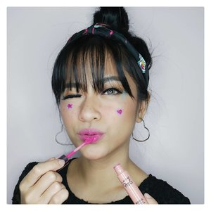 Get ready to go to the music festival!Trying to step out of my comfort zone with this unusual makeup. Psst.. i'm using #lakme9to5 Weightless Matte Mouse Lip & Cheek Color Fushia Suede #summerbrightvibes #stylingtrendsetters #instantglam..#clozetteid