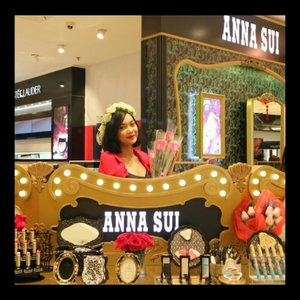 Akhirnya valentine ada yang kasih bunga.. Maaciw @annasuicosmetics_idn 🌹📷: @giselavi_.....#annasui #annasuicosmetics #fairytale #highend #sogo #mallkelapagading #beauty #makeup #beautyblogger #beautyinfluencer #blogger #fashion #clozetteID #Beautiesquad #bvloggerid #beautynesiamember