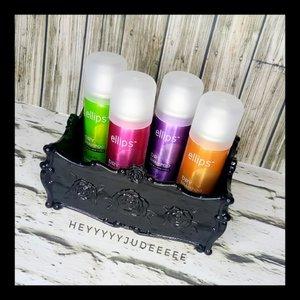 Finally local brand keluarin dry shampoo!! Parah sih udh ngidam dari lama akhirnya kesampean juga punya dry shampoo ahaha.. Ini bener bener solusi untuk orang yg ga sempet keramas kayak aku sih.. Worry not, harganya juga terjangkau, tenang aja gengs aku demennya yg harganya mure kok wkwk.. Trus ini juga wangi wangi bener jadi demen nyiumin rambut.. Full review bisa baca di blog aku yaa http://heyyyyyjudeeeee.com/ellips-dry-shampoo/ (link di bio) . . . . . . . . . . #Beautiesquad #ellips #hairready #hairreadytogo #sampoantanpakeramas #ellipsdryshampoo #dryshampoo #beautilosophy #Clozetteid #Beforeafter #bvloggerid #muajakarta #indobeautygram #instabeauty #bunnyneedsmakeup #BeautyChannelID #setterspace #makeuptutorial #tutorialmakeup #ivgbeauty #makeupjunkie #makeupvideo #wakeupandmakeup @indobeautygram @indobeautysquad @tampilcantik @bunnyneedsmakeup @awesomemakeu.p @makeup_up @powerofmakeup @limitart @wakeupandmakeup @bombtutorial @glamourvids @indobeautygram