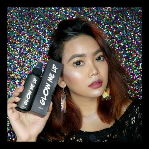 """So happy that I can try another local brand which is Glow Me Up Setting Spray from @naulicosmetics.. Do u have any idea what """"Nauli"""" is supposed to mean? Well I haven't at first, but then a friend of mine told me that """"Nauli"""" stands for """"beauty"""" in bahasa batak.. Haha so I suppose I'm gonna be super pretty after using this setting spray.. And yes it's true! This product give me that dewy shimmery look but still hold my makeup for almost 24 hours! I love the packaging since it's black! And I also love the smell of it, cause it got some citrus and menthol scent and I feel freshen up just from the first spray.. And also my skin is super dry right now and this is my current fav setting spray.. But worry not, for those of you who have an oily skin type can also use this.. You can get this at Shopee and Makeupuccino and it's affordable! Under 100k! You guys should try ❤ . . . . . #nauli #naulicosmetics #glow #glowup #glowing #settingspray #Clozetteid #indobeautysquad #BeautygoersID #Beautiesquad #Clozetteid #Beforeafter #bvloggerid #muajakarta #indobeautygram #instabeauty #bunnyneedsmakeup #BeautyChannelID #setterspace #makeuptutorial #tutorialmakeup #ivgbeauty #makeupjunkie #makeupvideo #wakeupandmakeup @indobeautygram @tampilcantik @bunnyneedsmakeup @awesomemakeu.p @makeup_up @powerofmakeup @limitart @wakeupandmakeup @bombtutorial @glamourvids @indobeautygram"""