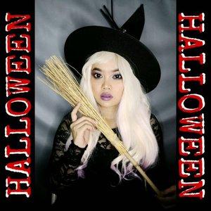 💀GIVEAWAY ALERT💀 . . Hey guys jadi ini dia makeup look aku buat halloween, jadi witch cans gituuu.. Rencana nya sih mau nyihir kamu biar jatuh hati kepadaku~ ulala . Product deets nya main tebak2an aja kali ya? Kira2 aku disini pake produk @nyxcosmetics_indonesia apa aja ada yg bisa tebak ga? Ahaha . Btw aku juga adain giveaway bareng @nyxcosmetics_indonesia dan aku bakalan pilih 2 pemenang. 2 pemenang yg beruntung, masing2 bakal dapetin produk dari @nyxcosmetics_indonesia worth 600k per orang nya. . So here's the rules: 1.  Follow aku & @nyxcosmetics_indonesia masa follow gebetan cepet giliran follow aku kaga 🙊 2. Tebak disini aku pake produk @nyxcosmetics_indonesia apa aja & shade nya apa 3. Comment di bawah jawabannya + alasan kenapa pengen cobain produk @nyxcosmetics_indonesia 4. Jangan lupa mention aku + @nyxcosmetics_indonesia + hashtag #beautyhackathonlorealid #nyxcosmeticsid #JUDExNYX 5. Ini ga wajib, tp kalo kelyan share giveaway aku di story bakalan lebih besar kemungkinan untuk menang 6. Yang ikutan giveaway ini wajib SABAR. Yg nanyain kapan diumumin, kapan hadiahnya dikirim, pokoknya yg bawel langsung disqualified. Lol. . . So that's it! Giveaway dibuka hingga 14 November & langsung aku umumin di 15 November. Pemenang aku yg pilih, tp hadiah dikirim dari pihak NYX ya. Good luck!!! . . . . . 📷  Kameranya Vivo V9 💡 Lightingnya LED Ringlight no dimmer 💸Backdropnya beli di @pixmixstore 💻 Editnya di Filmora 📱 Editnya di Quik 📱 Editnya di Inshot 🎶 Musicnya Tip Toe Through The Tulips . . . . . #indobeautysquad #Bloggirlsid #BeautygoersID #Beautiesquad #Clozetteid #Beforeafter #bvloggerid #muajakarta #makeuptutorial #tutorialmakeup #ivgbeauty #makeupjunkie #viral #viralvideo #nyxcosmetics #giveaway #giveawaycontest #giveawayindo #giveawayindonesia #witch #witchmakeup #halloween #halloweenmakeup #halloweencostume