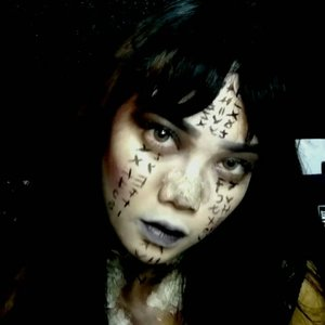 Finally! Princess Ahmanet Make Up Look Tutorial is up on my youtube channel yaa youtube.com/JudithCholya17 I recreated both of Princess Ahmanet Make Up Look from @themummy movie.. I created the royal pretty version & shout out to @diandananjaya for inspiring me on this look.. I also recreated the darker mummy version of Princess Ahmanet & shout out to @priscyllamhp for the inspo! luvvv u guys 😘😘 Oh and btw I literally dyed my own hair black + cut my own bangs for this looks (and kinda regret the decision on cutting bangs) #ahmanet #themummy #princessahmanet #ahmanetmakeup #princessahmanetmakeup #themummymakeup #sfx #halloweenmakeup #halloween @bvlogger.id #bvloggerid @indobeautygram @ibv_sfx @indovidgram #Beautiesquad #InezCosmetics #clozette #clozetteID #clozetter #beauty #makeup #beautyblogger #beautybloggerindonesia #indobeautyblogger  #bloggerindonesia  #muajakarta #indovidgram #indobeautygram #indobeautyvlogger #ivgbeauty #youtubersindonesia #internationalbeautygram