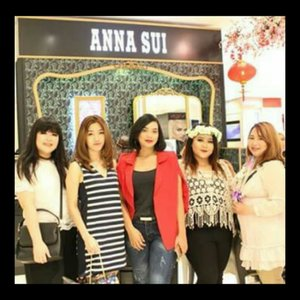 Anna Sui New Counter Opening 🦄Mall Kelapa Gading 2, SOGO 1st floor.. It wasn't a brand new counter but the concept was new and this is the very first store that applied the fairytale themed store.. The cutest store ever! With lots of flowers, rainbow colors, unicorns, carousell and every playful stuffs! You can play with lots of Anna Sui's product which is not only good in performance but also got the best packaging ever! They also just launched their matte lipstick with flower embossed on it! You can order it and it will be sent to you by the end of february.. Super cute! 📷: @makeupdhe.....#annasui #annasuicosmetics #fairytale #highend #sogo #mallkelapagading #beauty #makeup #beautyblogger #beautyinfluencer #blogger #fashion #clozetteID #Beautiesquad #bvloggerid #beautynesiamember