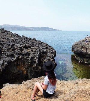 Take me back to this wonderful place :).#clozetteid #beautynesiaid #beautynesiamember #gogogotravel #black #white #indotravellers #explorebali #bali #baliholiday #nusapenida #angelbillabong #spotfoto #belumkesini #pesonaindonesia
