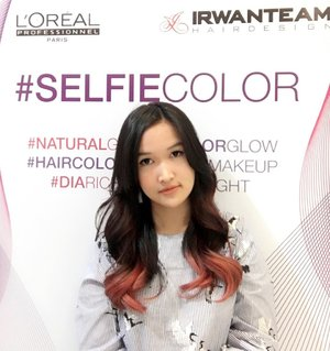 Just dyed my hair with #SelfieColor at @irwanteamhairdesign Mall Kelapa Gading!  Really loveeeee my Red hair 😍  #ClozetteID #ClozetteIDReview #IrwanTeamxClozetteIDReview #IrwanTeamReview #LorealProID #hairstyles #hairgoals #curlyhairstyles #redhair #pinkhair #rosepink #hairideas #irwanteammkg #irwanteammallkelapagading