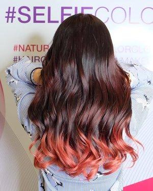 Ini hasil treatment dengan L'oreal #SelfieColor di @irwanteamhairdesign Mall Kelapa Gading!  Info price dan prosesnya bisa dibaca di blog ku, link on bio 👌🏻 Thank you @clozetteid  #ClozetteID #ClozetteIDReview #IrwanTeamxClozetteIDReview #IrwanTeamReview #LorealProID #hairstyles #hairgoals #curlyhairstyles #redhair #pinkhair #rosepink #hairideas #irwanteammkg #irwanteammallkelapagading #lorealparis #loreal #lorealpro