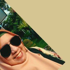 2. Smile is always your true beauty~ Saphira#bloggerindonesia #bloggerindo #blogger #clozetteid #beautyblogger #bloggerperempuan #bloggerlife #jakarta #ootd #travelblogger #indonesia #styleblogger #lifestyle #instabloggers #blog