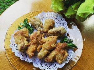 `Chicken drumstick beli di @transmartcarrefour delivery 🛵 .....Bisa buat lauk - bisa juga langsung dimakan jadi gorengan, Alhamdulillah Gavin suka ☺😽 hari ini bikin lagi.... Selamat menunggu waktu berbuka puasa ~ Alhamdulillah 🌼#chickendrumstick#menuanak#drumstick#ramadhan2020#clozetteid