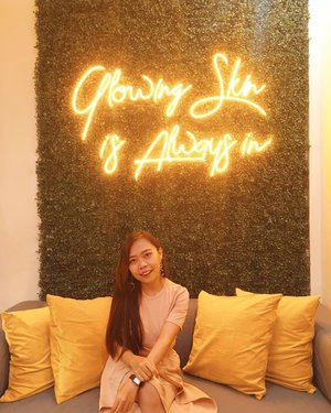 • Glowing skin is always in •  #zglow #jogjamedicalcenter #jogjabloggirls #jogja #jogjabeautyblogger #beautybloggersolo #beautybloggers #beautybloggerindonesia #clozetteid #blog