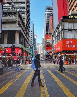 Some beautiful paths can't be discovered without getting lost. . . . . . . #LadiesMarket #LadiesMarketHongkong #CNY2018 #ChineseNewYear2018 #Hongkong #Clozetteid #Traveler  #Traveling #Travelingram #Travelphotography #Blogger  #Bloggerlife #Bloggerswanted #BloggerPalembang  #BloggerPerempuan #SuzannitaTravel  #SuzannitaTravelDiaries