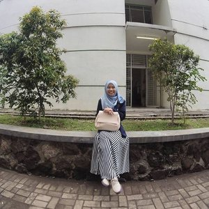 Happy to say that the hardest subject is passed in this semester! I'm happy whatever the result tho😂 .....#ClozetteID #OOTD #Hijab #Casual #SomethingBorrowedZalora #Zaloraid #hijabootdindo #ootdindo #ootdasean #hijaboftheday #gopro #goprooftheday #lookbook #lookbookindonesia #wiwt #hotd #campusootd #hijabi #hijabfashion #hijabfeature_2015 #indonesian_blogger #lookbooknu #lookbookers