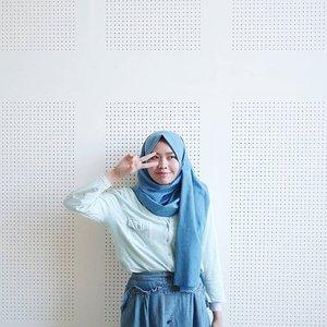 Udah ikutan kontes dari @spreadingoutfits belum? Ada voucher buat belanja di Tiffany Kenanga Hijab dan treatment di Dian Kenanga Hijab loh 💃 Post your best blue OOTD with hashtag #SpreadingOutfits #SpreadingOutfitsChapter10 #OOTDIndo #ShadesofBlueGet a chance to win vouchers (shopping voucher at Tiffany Kenanga Hijab and treatment voucher at Dian Kenanga from us.Tag to @SpreadingOutfits.Don't forget to follow @SpreadingOutfits and SO Squad : @ratridp @mndalicious @safiranys @rahmanucup @unidzalika @okymavlanaPeriode contest : 18 May 2017 - 27 May 2017.#clozetteid#shasoutfit #blue #starclozetter #hijab #casual