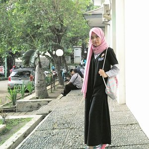 Currently worrying tasks. Need some coffee 😂☕ #clozetteid #shasoutfit #hijabootdindo #hijab #ootd #casual #longdress #patch #patches #outfit #hotd #hootd