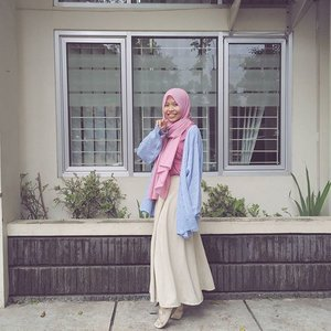 Still questioning why I keep losing weight😂. And your girl here is dealing with cold for around 3weeks. I don't have idea either why I can't hide my sickness even it's only cold and makeup can't help lol cry 😂😭 #shasoutfit #ClozetteID #OOTD #hijab #casual #pastel #comfywear #pink #blue #hijabootdindo #ootdindo #lookbookindonesia #hijabfashion #themodestymovement