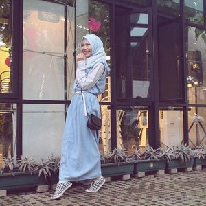 Selamat hari kamis yang rasa hari Sabtu! ✨ ...#ClozetteID #COTW #Kyeoptalook #OOTD #Hijab #Casual #denim #overalls #shasoutfit #ootdindo #lookbookindonesia #hijabootdindo #hijabi #hijabfashion #themodestymovement #lookbook #hotd #hijabioutfit