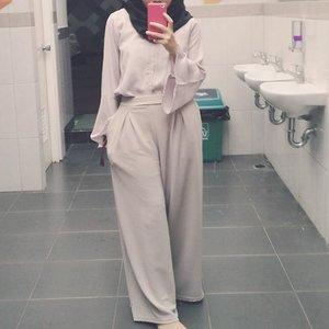 Terakhir check up. Semoga terakhir ke rumah sakit tahun ini juga 🤗 . . . #clozetteid #lifestyle #outfit #hijab #mirrorfie #shasoutfit #ootdwithmay