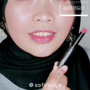 Udah jajan apa bulan ini? 🙈Kalau kamu lagi cari lipstick matte, cobain lipsticknya @elsheskin deh 🤩 Formulanya terasa ringan, nggak mencengkram kulit bibir. Warnanya cakep-cakep, pigmentasinya bisa cover warna asli bibir kamu 🤗 Bisa diskon 10% kalau kamu pakai kode SQUADSAFIRA via pembelian CS! ⭐ ..#clozetteid #elshesquad #bandungbeautyblogger #bandungbeautyvlogger #kbbvmember #bloggerperempuan #diskonelsheskin #promoelsheskin #lipstick #mattelipstick #lipstickelsheskin #swatch #lipswatcher