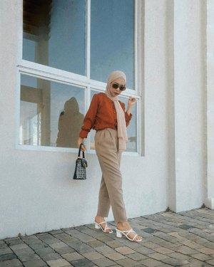 Obsessed with sunglasses lately 😎#OOTD #bloggerindonesia #clozetteid