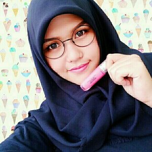 pink is always woman heart color! #hijab #makeup #lipstick #face #girls #indonesia
