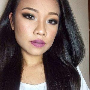 That one strand of hair... Eyebrow: @anastasiabeverlyhills Dip Brow Pomade (Medium Dark)  Eyeshadow:  @anastasiabeverlyhills @dressyourface palette (Fresh, Blush, Bengal, Chocolate, Noir)  @toofaced Everything Nice Palette (girly)  Eyeliner: @colourpopcosmetics swerve  @rimmellondonus Scandaleyes waterproof khol Kajal in Black  Mascara:  @maybellineina The Magnum Volum Express  lips:  @stilacosmetics All Day Liquid Lipstick (Ricco. Patina)  FACE  Primer:  @benefitindonesia Porefessional  Foundation: @makeupforeverofficial HD Foundation in 145  Concealer:  @makeupforeverid Full Cover:  Powder: Coty Air Spun in Translucent  Contour:  @toofaced Chocolate Soleil  Blush: @toofaced everything nice palette (Papa don't preach)  Highlight: @hourglasscosmetics ambient lighting palette (incandescent light)  #clozetteid #fdbeauty #hudabeauty #vegasnay #patrickstarrr #monakattan #dressyourface #wakeupandmakeup #swatchnationid #muajogja #makeupartistjogja #makeup #maquiallage #maquiagem #
